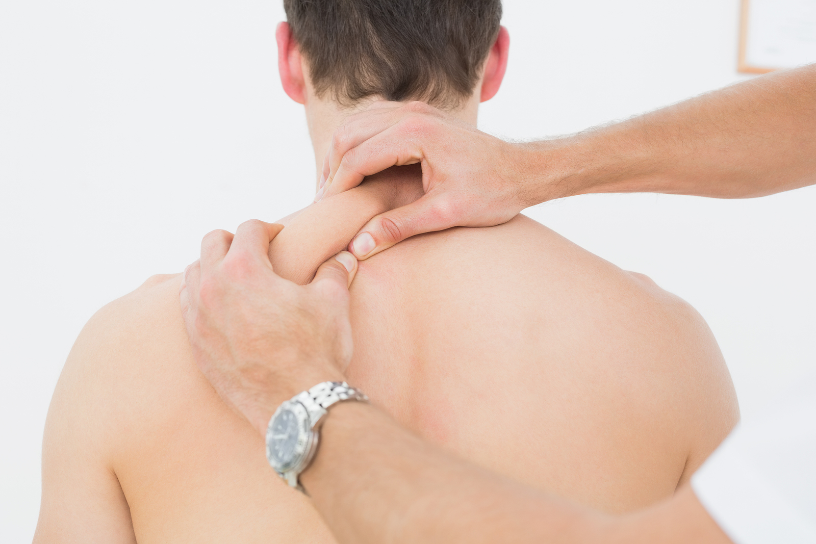 man receiving fibromyalgia treatment